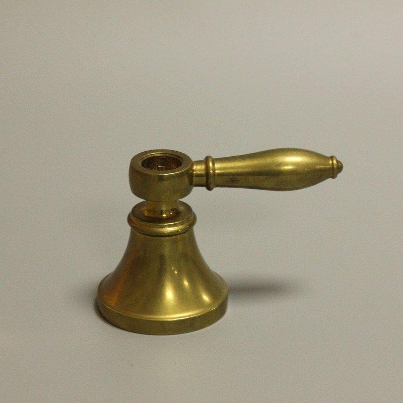 黄铜水龙头