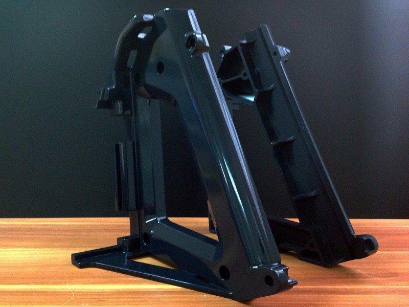 光亮黑色塑料器材模型