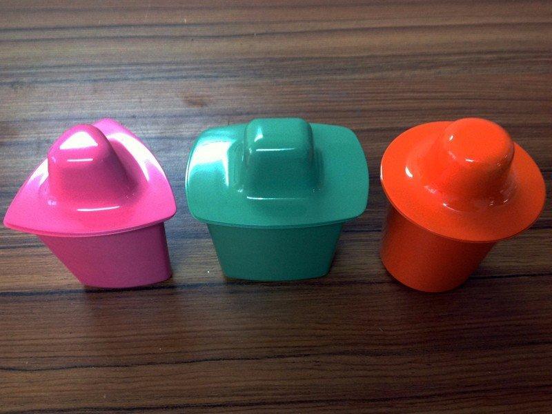艺术设计彩色小摆件玩具